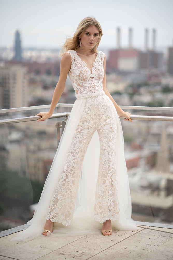 15 style ideas for city hall brides bridalguide Courthouse Wedding Dress Ideas