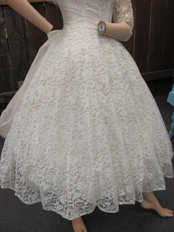1950s short poofy wedding dress lace gown with cancan wedding dress classic 50s lace full skirt adorable Poofy Wedding Dresses