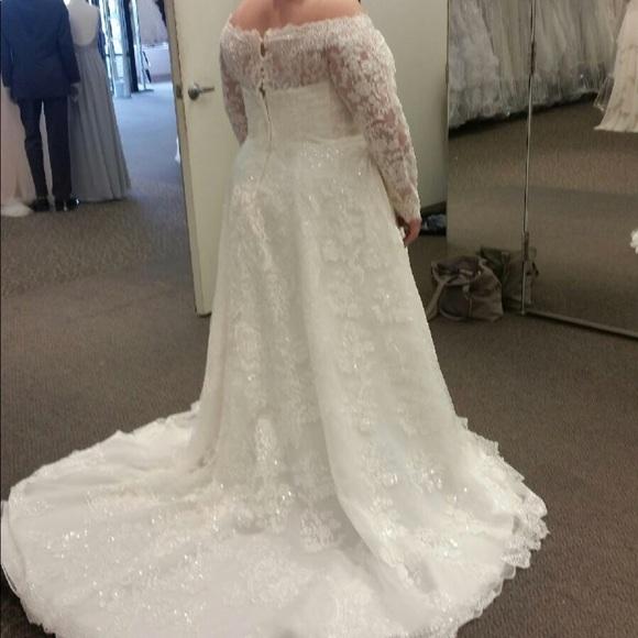 2018 oleg cassini wedding gown Oleg Cassini Wedding Dress