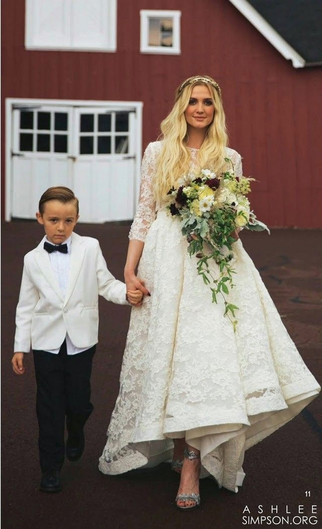 31 memorable celebrity wedding dresses we loved wedding Ashlee Simpson Wedding Dress
