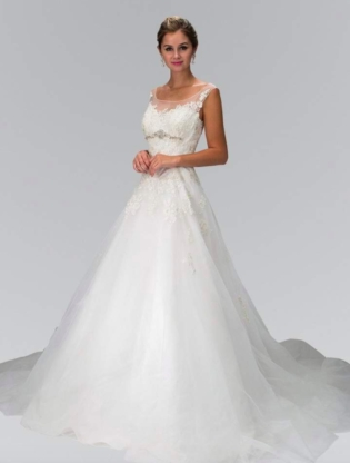 50 most stunning lace wedding dresses the trend spotter Wedding Dresses Peoria Il