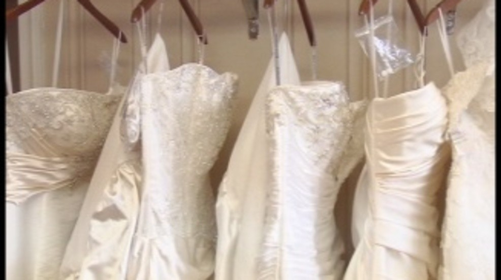 calling all brides local alfred angelo holding huge Liquidation Wedding Dresses