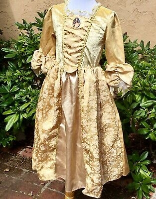 disney pirates caribbean elizabeth swann swan wedding dress Elizabeth Swann Wedding Dress