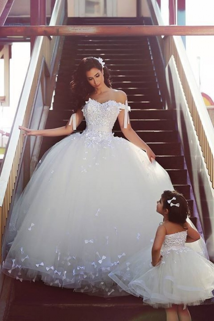 elegant off shoulder white ball gown wedding dress lace tulle custom made puffy bridal gowns Wedding Dresses Poofy