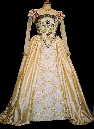 elizabethan style wedding gown this is beautiful look at Elizabethan Wedding Dresses