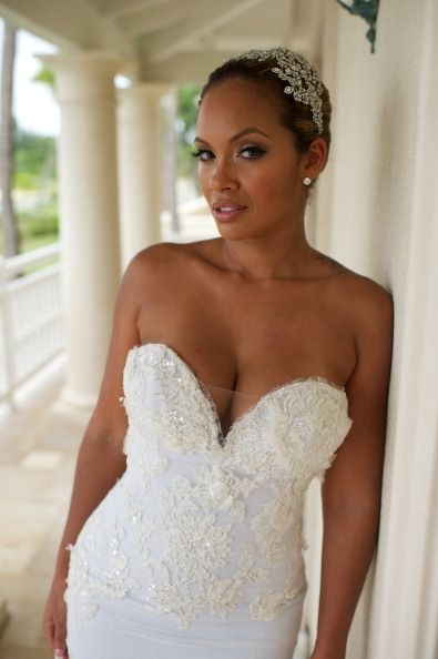 evelyn lozada poses for photos at her wedding to chad Evelyn Lozada Wedding Dress