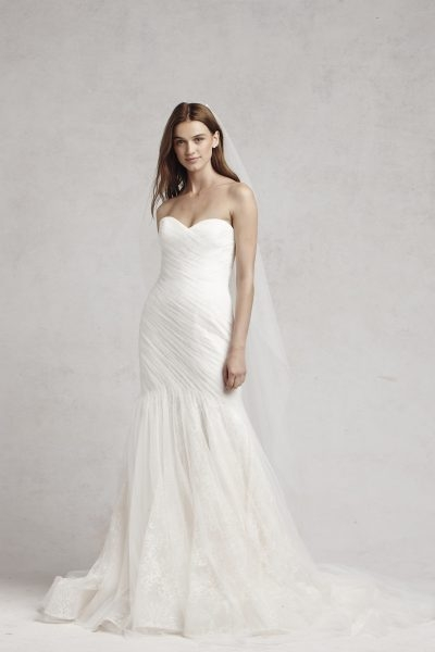 fit and flare wedding dress Monique Lhuillier Wedding Dress Pretty