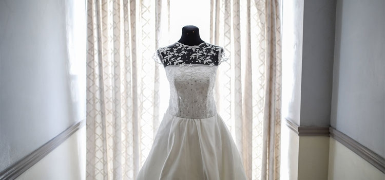 heres how to sell your wedding dress ivetriedthat Resell Your Wedding Dress