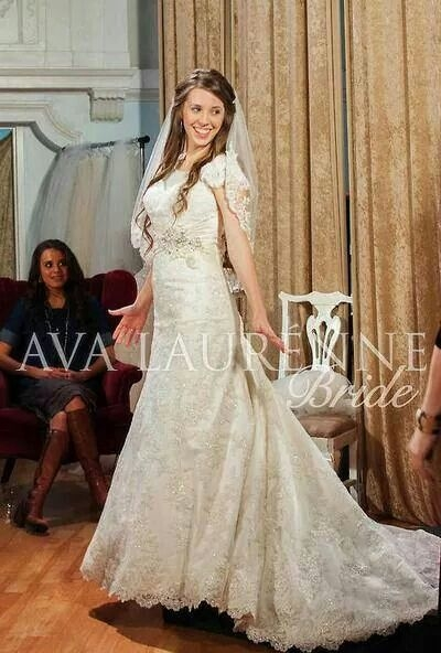 jill looked gorgeous in her wedding gown 19 kids Dillard Wedding Dresses