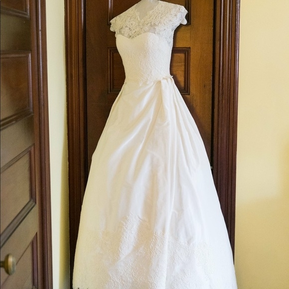judd waddell lace taffeta wedding gown Judd Waddell Wedding Dress