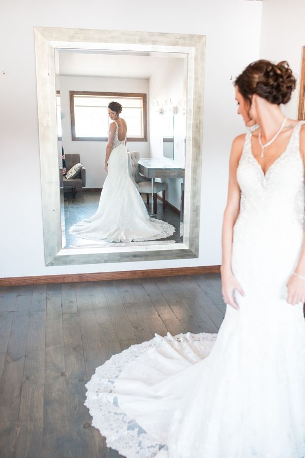 kara tom wedding at blue haven barn and gardens sioux falls Wedding Dresses Sioux Falls Sd