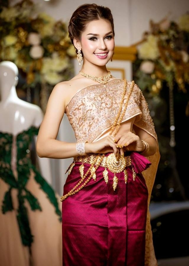 khmer wedding costume cambodian wedding outfits in 2019 Cambodian Wedding Dress