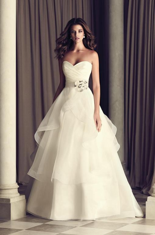 paloma blanca 4465 size 6 Paloma Blanca Wedding Dress