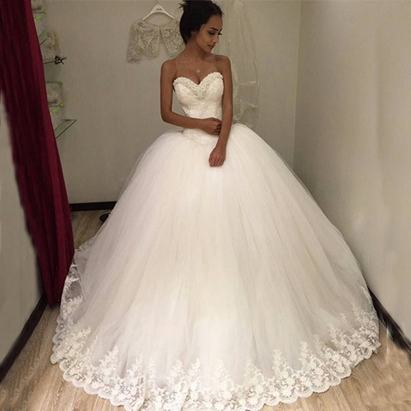 puffy tulle ball gown wedding dresses beaded sweetheart neckline sleeveless lace appliques custom made bridal gowns princess style wedding dress cheap Wedding Dresses Poofy