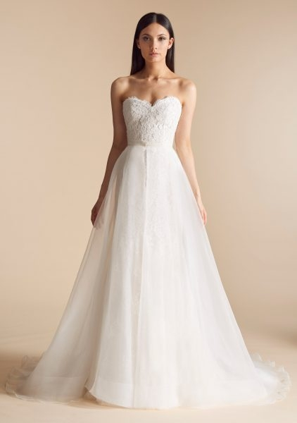 sweetheart neck lace bodice tulle overskirt fit and flare wedding dress Modified A Line Wedding Dresses
