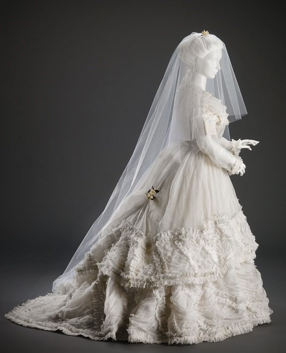 the intriguing history of wedding gowns 1800s Wedding Dress