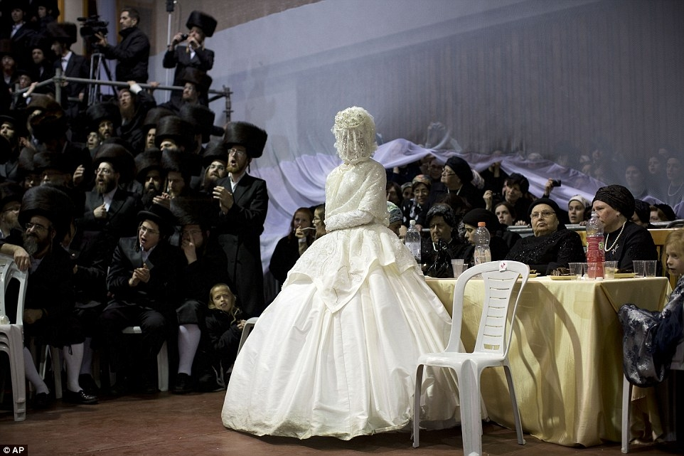 ultra orthodox jewish wedding in israel sees thousands of Traditional Jewish Wedding Dress
