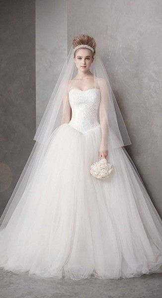 wedding dress photos wedding dresses pictures vera wang Basque Waist Wedding Dress