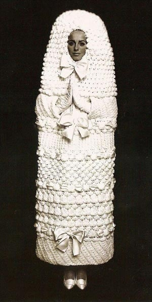 weird wedding dresses 6 dresses guaranteed to shock and Weirdest Wedding Dresses