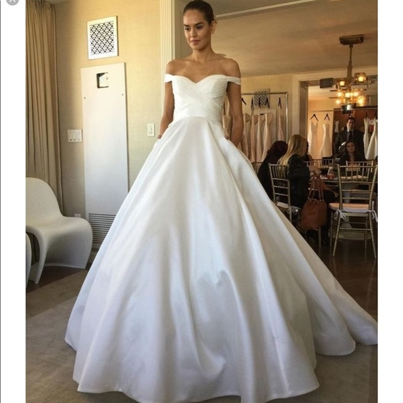 anne barge berkeley wedding gown Anne Barge Wedding Dresses