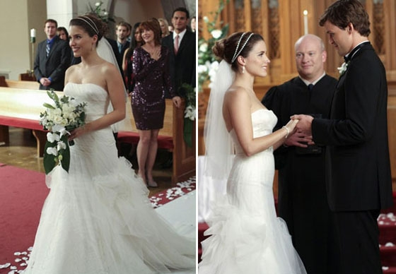 brooke davis marries julian baker in bcbg max azria red Brooke Davis Wedding Dress