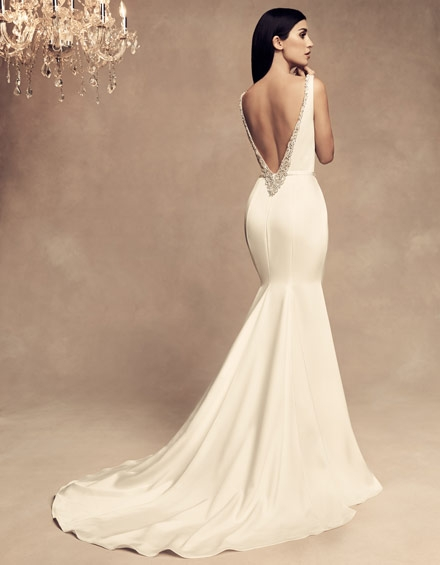 buying a wedding gown for your body shape hourglass Wedding Dresses For Hourglass Figures