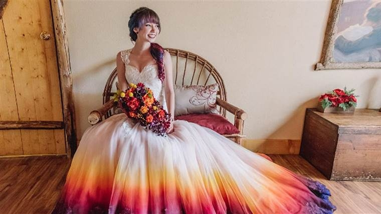 dip dyed colorful wedding dresses are the new bridal trend Wedding Dress Dyeing Service