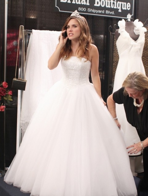 google bilder resultat for httpcdnsmallscreenscoop Brooke Davis Wedding Dress