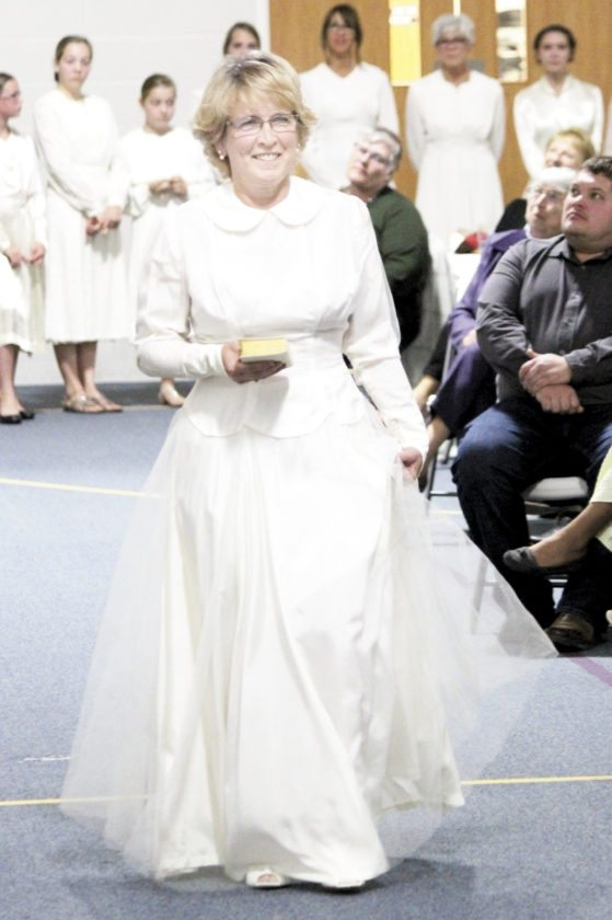 here come the brides news sports jobs the sentinel Amish Wedding Dresses