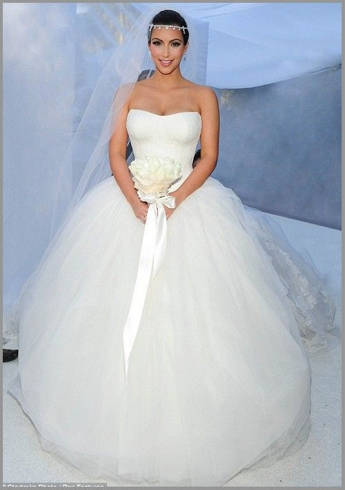 inside kim kardashians fairytale wedding to kris humphries Vera Wang Kim Kardashian Wedding Dress