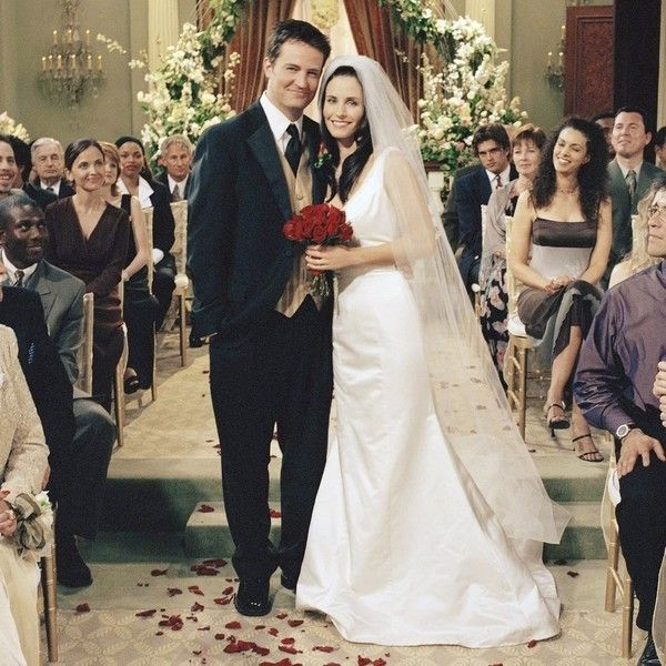 monica geller in friends sandals in 2019 movie wedding Monica Geller Wedding Dress
