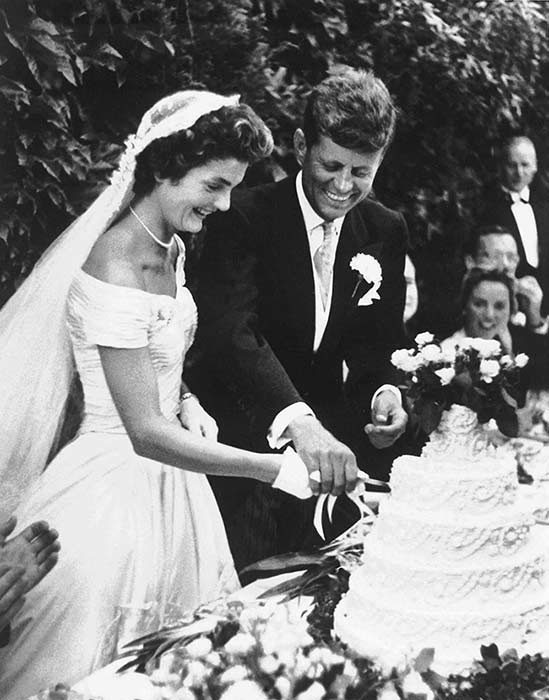 see new details of jackie kennedys wedding dress in Jackie Onassis Wedding Dress