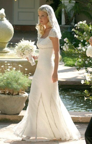 tori spelling married playwright charlie shanian in a Tori Spelling Wedding Dress