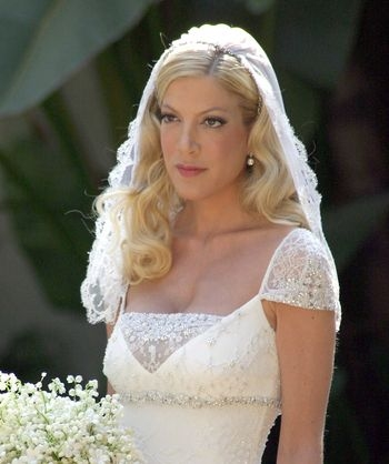 tori spelling was a traditional bride at her 2004 wedding to Tori Spelling Wedding Dress