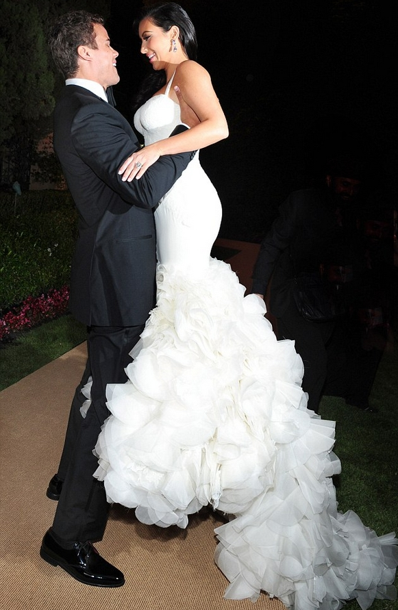 your wedding kim kardashian wore three vera wang wedding Vera Wang Kim Kardashian Wedding Dress