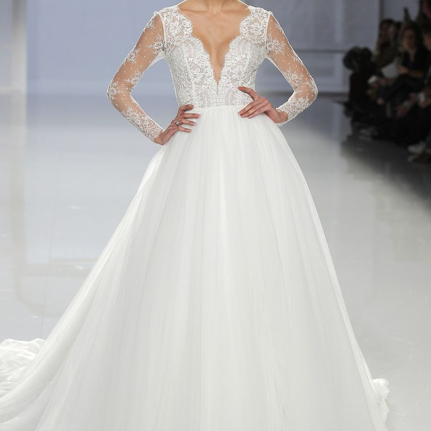 60 wedding dresses perfect for pear shaped figures Best Wedding Dresses For Pear Shaped