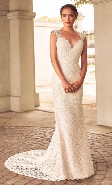 lace detailed cap sleeve sweetheart neck fit and flare wedding dress Guipure Lace Wedding Dress