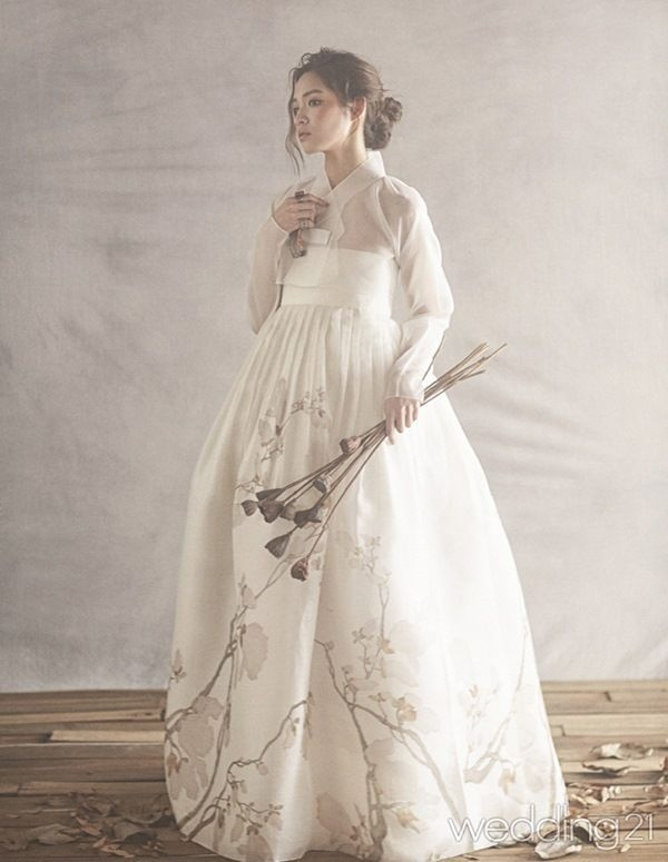 modern korean hanbok wedding dress hanbok wedding asian Hanbok Wedding Dress