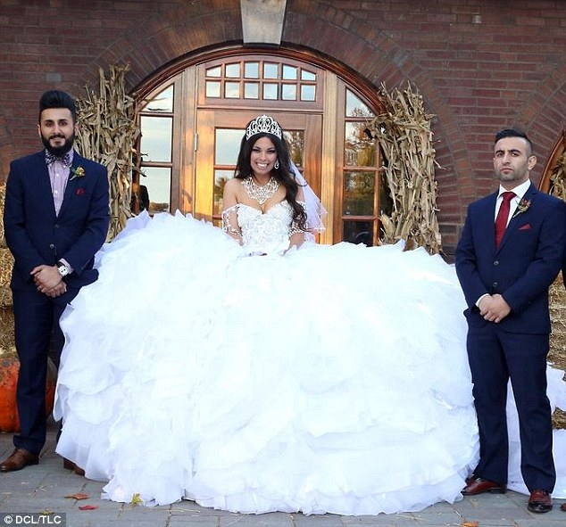 my big fat gypsy wedding gown is made from 1200ft of fabric My Big Fat Gypsy Wedding Dresses