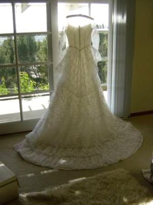 new and used wedding dress for sale in springfield il offerup Wedding Dresses Springfield Il