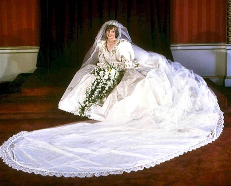 princess dianas wedding gown will be turned over to william Princess Dianas Wedding Dress