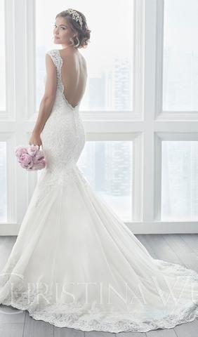try this beautiful wedding dress beautiful lace appliqus Wedding Dresses Des Moines Iowa