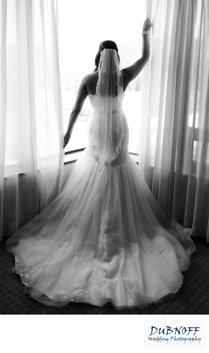 back of stunning wedding dress in san francisco in black and Pretty Wedding Dresses Bay Area