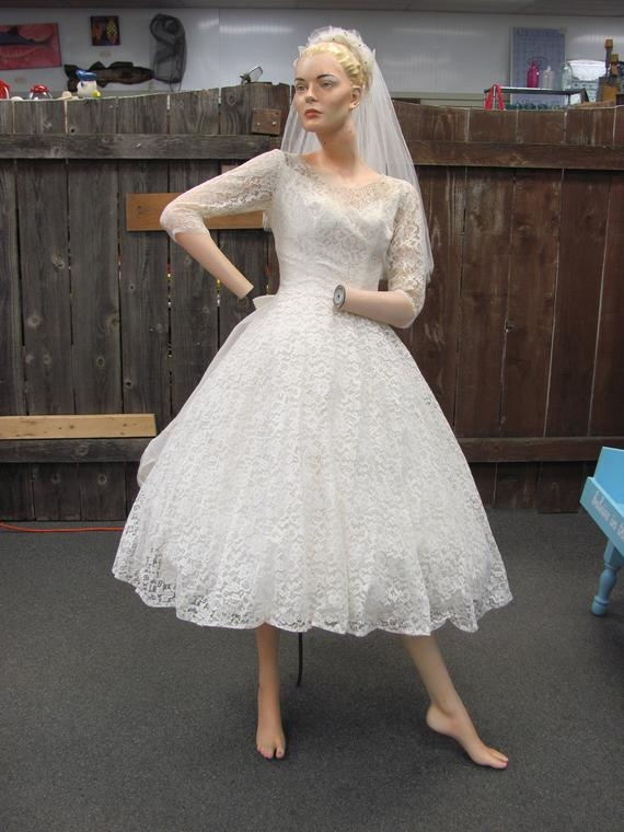 1950s short poofy wedding dress lace gown with cancan wedding dress classic 50s lace full skirt adorable Short Poofy Wedding Dresses