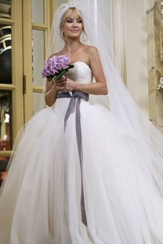 in photos 32 iconic movie wedding gowns movie wedding Kate Hudson Wedding Dress In Bride Wars
