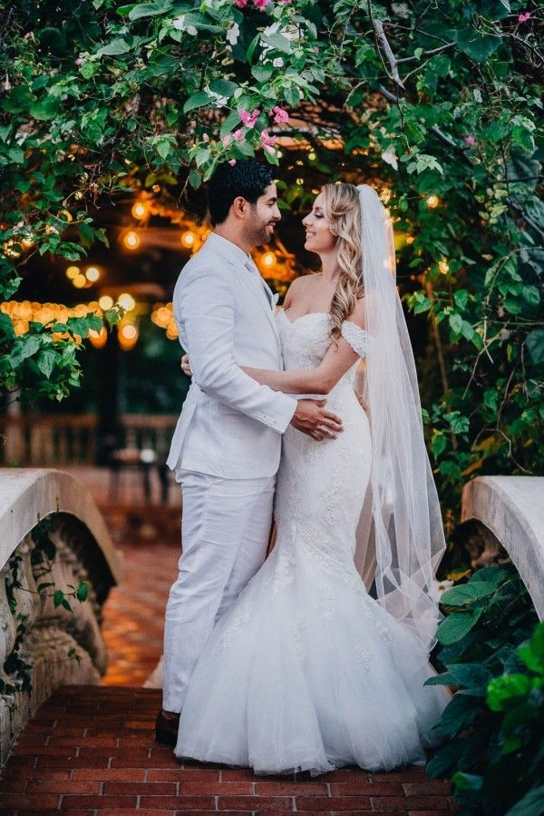 romantic puerto rican wedding at hacienda siesta alegre Puerto Rican Wedding Dresses