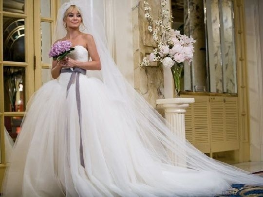 wedding ethan bride wars dress vera wang wedding Kate Hudson Wedding Dress In Bride Wars