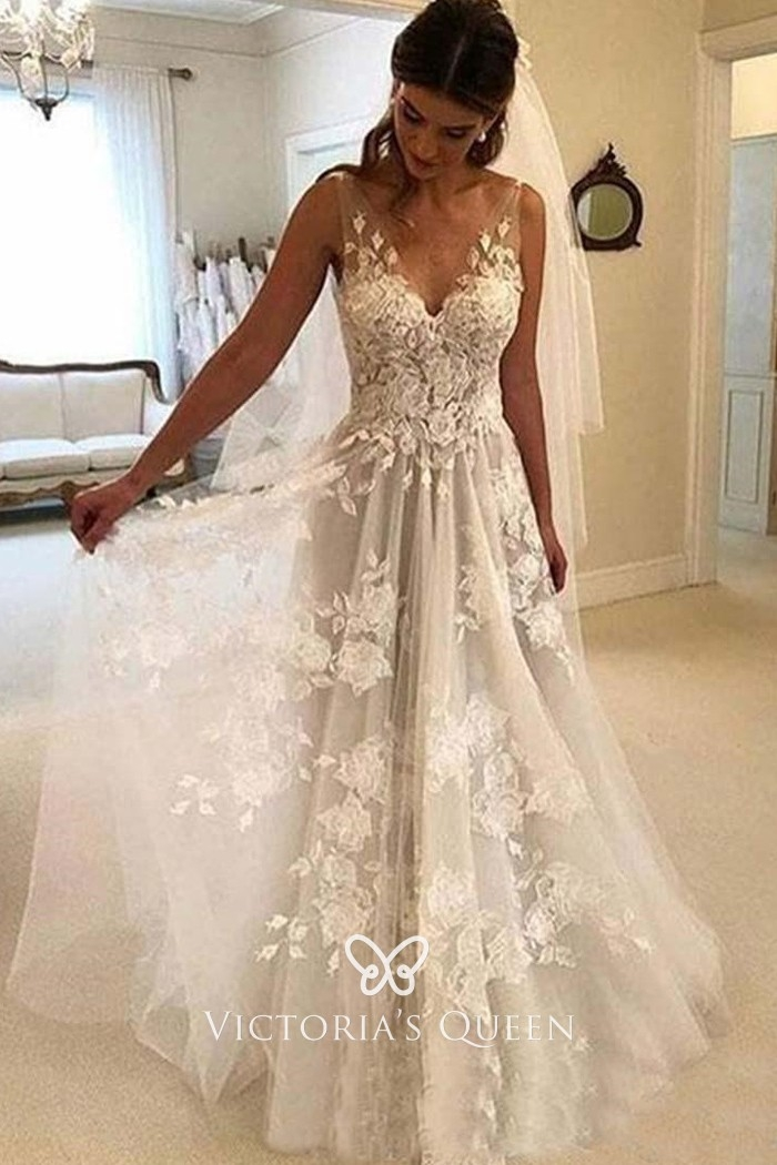 Interesting floral lace tulle v neck sleeveless casual wedding gown Lace Tulle Wedding Dress