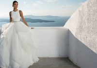 40 unforgettable beach wedding dresses for your special day Beach Dresses For A Wedding