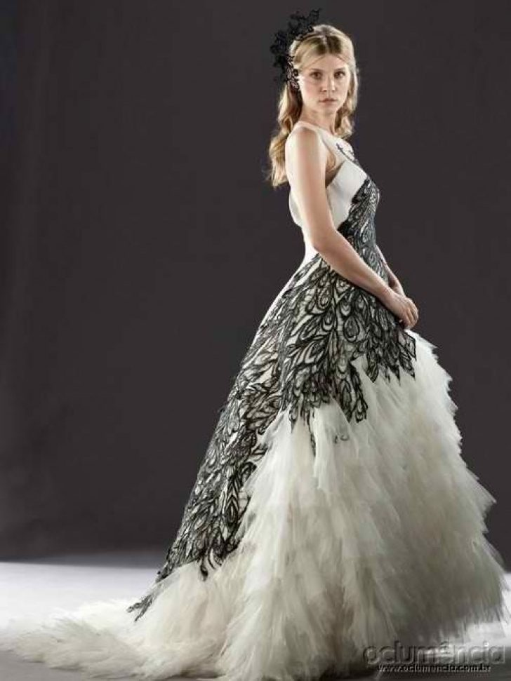 Permalink to Pretty Fleur Delacour Wedding Dress